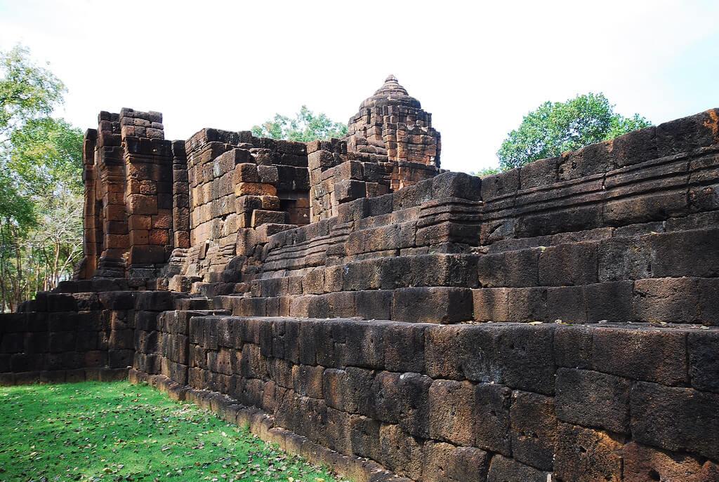 อุทยานประวัติศาสตร์เมืองสิงห์ (Mueang Sing Historical Park)