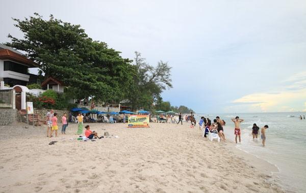 ท่องเที่ยวชายหาดหัวหิน จังหวัดประจวบคีรีขันธ์